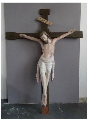 Bois polychromé Christ en croix, bois polychromé, La-Croix-Hélléan (56).