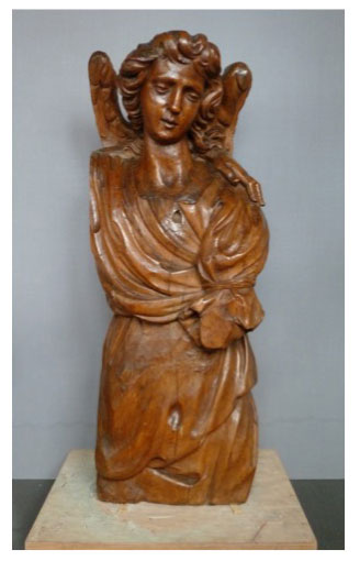 Restauration bois polychromé Ange, figure de proue, attribué à Pierre Puget, XVIIe siècle, bois ciré ; collection particulière ; collages, bouchages, nettoyage.