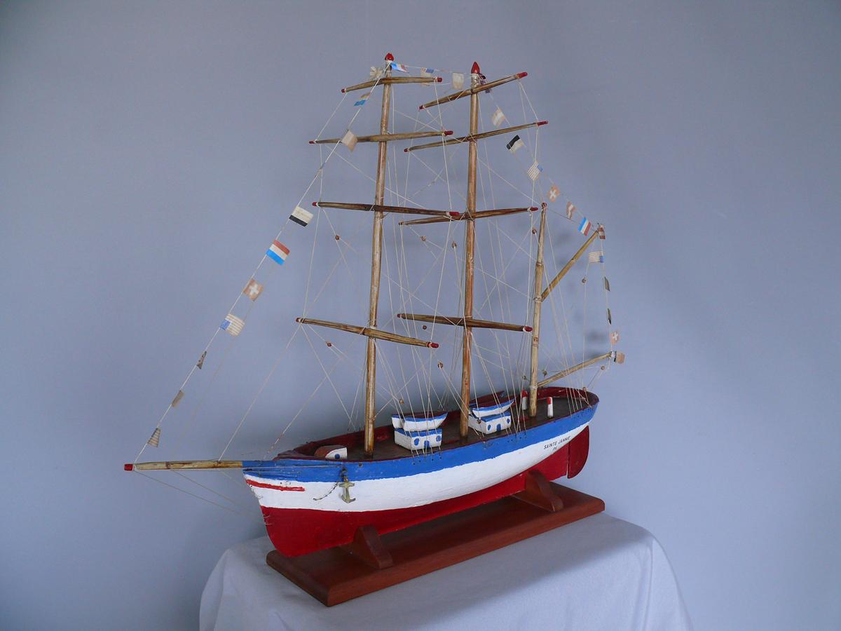 Restauration de 3 maquettes ex voto de bateau